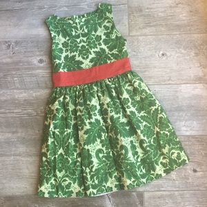 Persnickety • 8 • EUC • green & red dress •